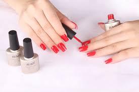 manicure - czerwone paznokcie